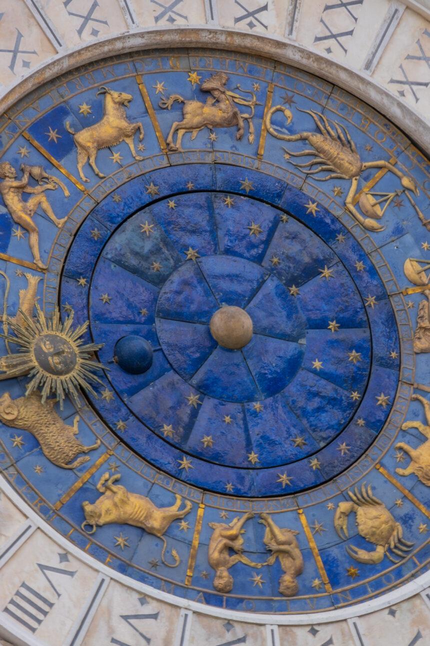 Benvenuti nell'era dell'Aquario: perché l'astrologia ci piace così tanto?